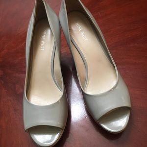Nine West Grey Patent Peep Toe Heels. Size 9M